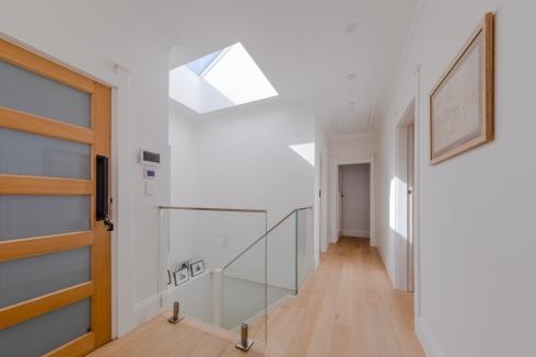 Front hallway85BWigram_Rd_Darren_Long-Pano